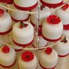 Red Flowers and Berries Gift Cakes